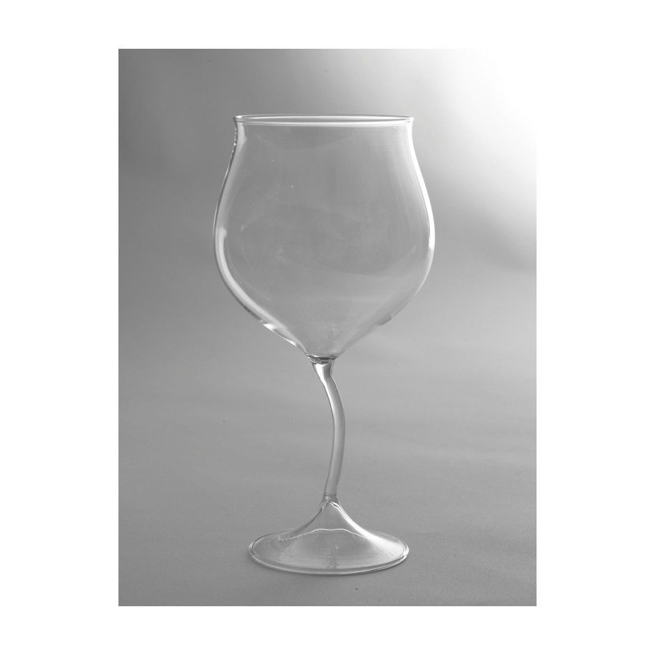 'Flores' wine glass by roos van de velde